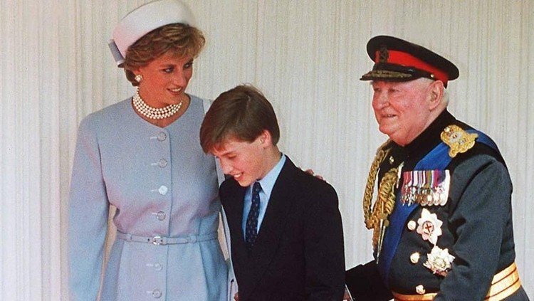 Pangeran William punya pandangan sendiri tentang sosok mendiang Putri Diana. Menurut dia, sang ibu adalah orang tua paling nakal.