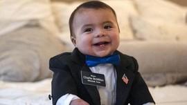 FOTO: Bayi Berumur 7 Bulan Jadi Wali Kota Termuda di AS