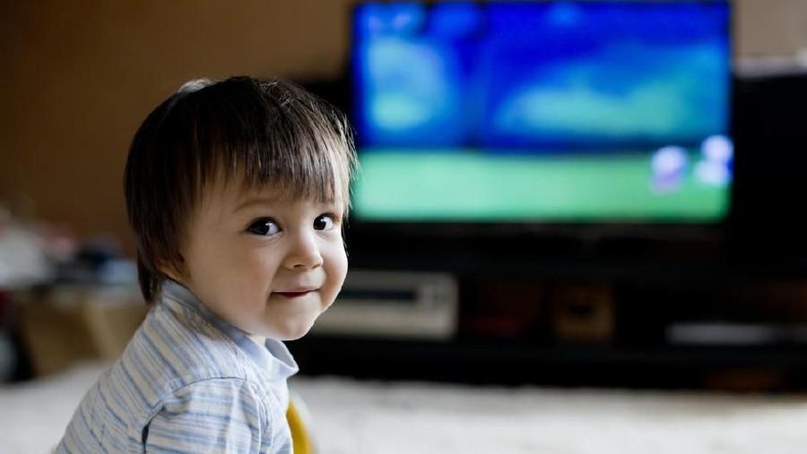 Tak Main-main, Ini Dampak Anak Sering Nonton TV