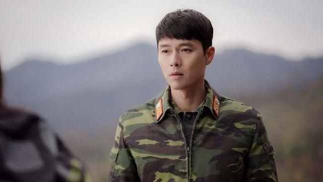 Di tengah kasus warga terinfeksi virus corona di Korea Selatan yang melonjak, Hyun Bin meminta semua orang untuk menjaga diri dan kesehatan.