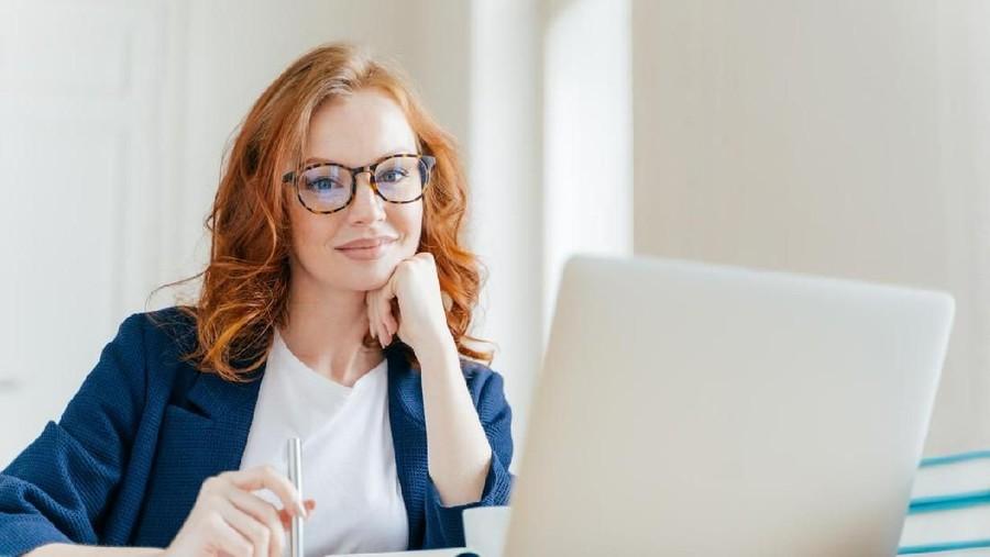 6 Perlengkapan Wajib Memerah ASI untuk Ibu Bekerja