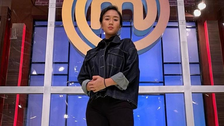 Puti Renatta R. Meoloek atau yang lebih dikenal dengan Renatta Moeloek lahir pada 17 Maret 1994.