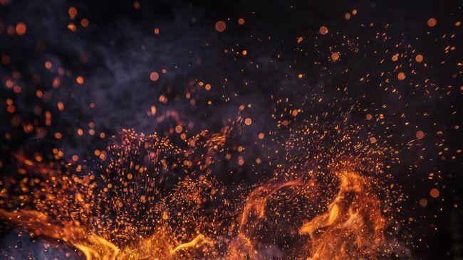 Dentuman ledakan kapal di galangan PT Barokah Perkasa, Samarinda, Kaltim, terdengar hingga radius 500 meter.