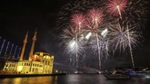 Semarak menyambut Tahun Baru 2020 terekam dalam bidikan kamera dari seluruh dunia.