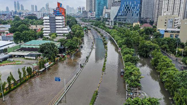 Banjir Jakarta Jalan Tol Dalam Kota Digratiskan 18 Jam