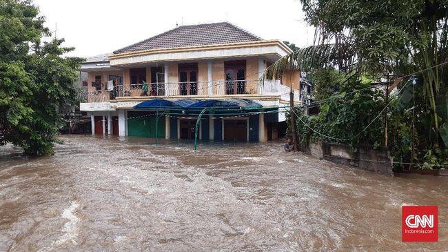 Perlindungan asuransi bisa menekan risiko banjir terhadap aset rumah dan kendaraan masyarakat.