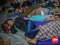 Warga Korban Banjir Bekasi Kurang Pakaian Layak