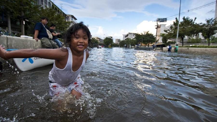 Banjir, Waspadai 5 Penyakit yang Bahaya dan Rentan Dialami Anak