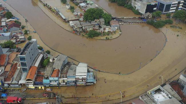 TGUPP DKI Jakarta menyebut Menteri PUPR Basuki Hadimuljono ngawur soal konsep normalisasi sungai untuk menanggulangi banjir Jakarta.