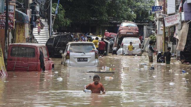 465 Mobil Daihatsu Rusak Terendam Banjir Jakarta