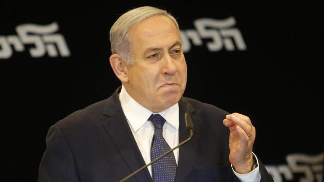 PM Israel Benjamin Netanyahu menuding Hizbullah telah menyembunyikan keberadaan 'gudang rahasia' berisi senjata di lingkungan pemukiman di Beirut, Libanon.