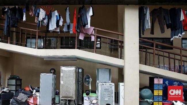 Berikut cara memberikan pertolongan pertama terhadap perabotan rumah tangga elektronik yang terendam air.