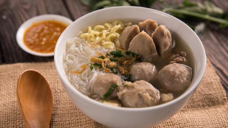 Bakso merupakan makanan favorit banyak orang, terutama ketika musim hujan. Untuk Bunda yang sedang ingin makan bakso, ini rekomendasi kedai bakso di Jakarta.