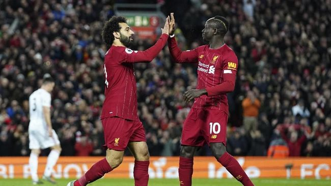 Liverpool unggul 1-0 atas Sheffield United berkat gol Mohamed Salah di babak pertama dalam laga lanjutan Liga Inggris di Stadion Anfield.