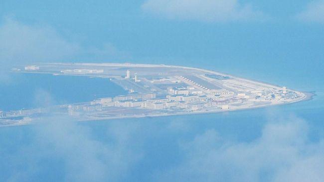 Kemenhan AS (Pentagon) memprotes uji rudal balistik penghancur kapal induk yang dilakukan Angkatan Laut China di Laut China Selatan.