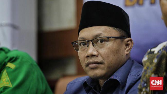 Pemuda Muhammadiyah kritik pejabat dan publik figur yang asal memberi cap radikal terhadap santri yang menutup kuping saat mendengar musik.