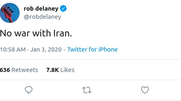 Rob Delaney lewat akun twitternya mencuit tentang penyerangan AS atas perintah Donald Trump kepada Iran yang menyebabkan Jenderal Perang Iran, Qasem Soleimani.