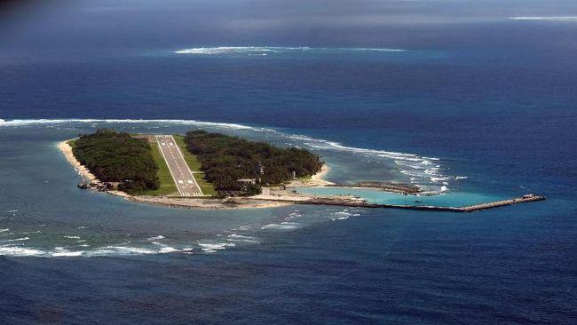 Konflik Laut China Selatan belakangan kembali memanas setelah kapal induk AS memasuki perairan itu untuk pertama di era Joe Biden.