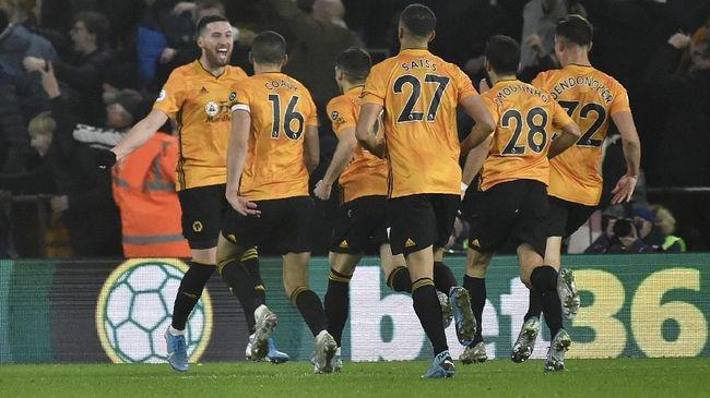 Liverpool harus waspada menghadapi Wolverhampton Wanderers karena Wolves jadi tim yang paling sering bangkit di Liga Inggris musim ini.