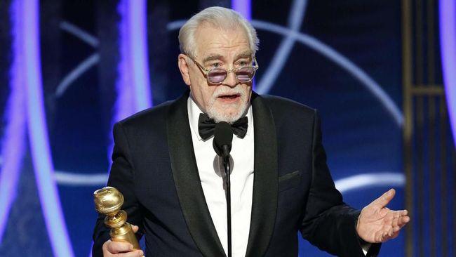Aktor Brian Cox meraih piala Golden Globe pertama dalam hidupnya di usia 73 tahun berkat peran di serial HBO Succession.