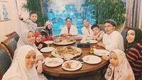 <p>Keluarga Gen Halilintar dikenal kompak dan sering menghabiskan waktu bersama. (Foto: Instagram @genhalilintar)</p>
