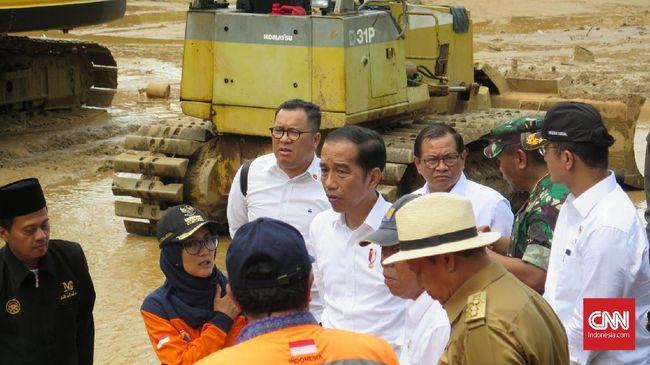 Presiden Jokowi meminta masyarakat korban longsor di Sukajaya, Bogor, untuk mau direlokasi 2 kilometer dari lokasi bencana.
