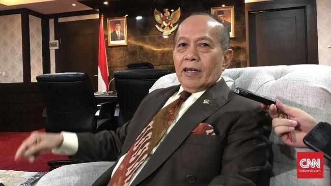 Wakil Ketua MPR Syarief Hasan menyebut gaji direksi manajemen pelaksana Kartu Prakerja terlalu besar.