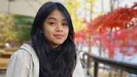 <p>Putri sulung Andra Junaidi Ramadhan, personel Andra and The Backbone juga tak kalah cantik. Gadis cantik ini bernama Yasmeen Fadilah. Yasmeen terlihat cantik dengan riasan wajah yang natural. (Foto: Instagram @andra_photo)</p>