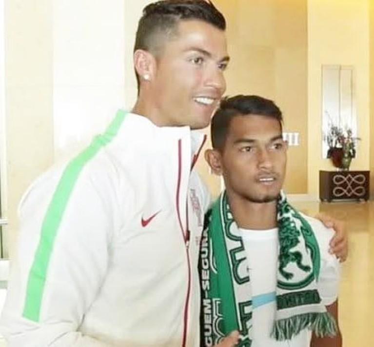 Mereka pun mengajukan pertanyaan kepada Sri Wahyuni bagaimana perasaannya akan menjadi menantu dari megabintang pesepakbola asal Portugal tersebut.