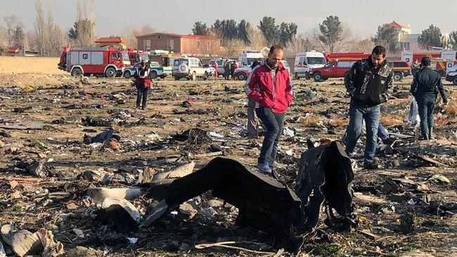 Ukraina berkeras meminta Iran menyerahkan kotak hitam pesawat Boeing 737 yang jatuh ditembak dua rudal pada Rabu (8/1) lalu.