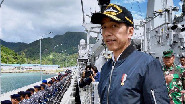 TNI mengonfirmasi berdasarkan pantauan udara kapal-kapal nelayan dan Coast Guard China sudah keluar dari ZEE Indonesia pasca-Jokowi ke Natuna kemarin.