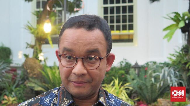 Gubernur DKI Jakarta Anies Baswedan usai mengikuti rapat di Kompleks Istana Kepresidenan Jakarta, Rabu (8/1).