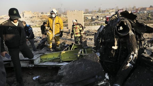 Aparat Iran menangkap 30 tentara terkait insiden salah tembak pesawat maskapai Ukraina.