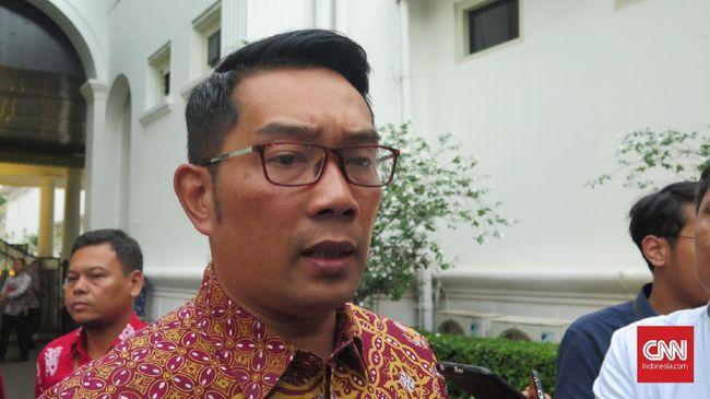 Gubernur Jawa Barat Ridwan Kamil usai mengikuti rapat di Kompleks Istana Kepresidenan Jakarta, Rabu (8/1).