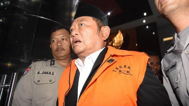 Dugaan muncul usai KPK memeriksa Achmad Amir Aslichin yang merupakan putra Bupati Sidoarjo Saiful Ilah.