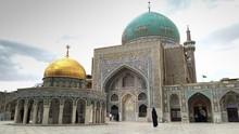 Megahnya Makam Imam Reza yang Dikelilingi Tujuh Taman