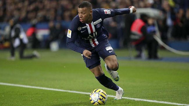Liverpool dikaitkan dengan Kylian Mbappe di bursa transfer, namun Fabinho menilai penyerang Prancis itu bisa membuat The Reds pusing.