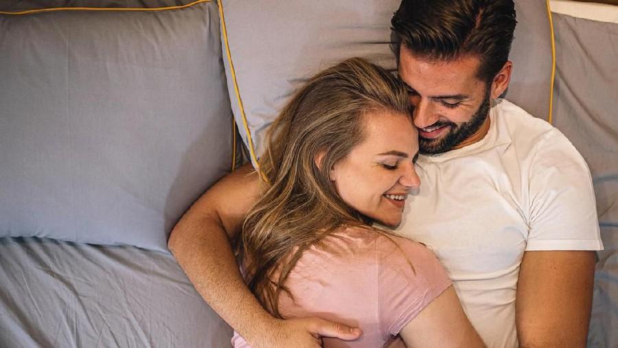 3 Posisi Seks yang Menjanjikan Bunda Mudah Orgasme