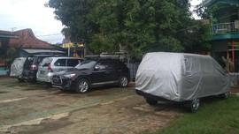 Warga Depok Soal Perda Garasi: Sah Parkir di Jalan Kompleks
