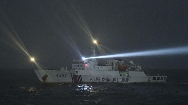 Filipina memprotes aturan China mengizinkan kapal penjaga pantai menembak kapal asing atau menghancurkan properti negara lain di Laut China Selatan.