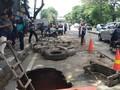 Jalan Daan Mogot Amblas 2 Meter, Pengendara Diminta Hati-hati