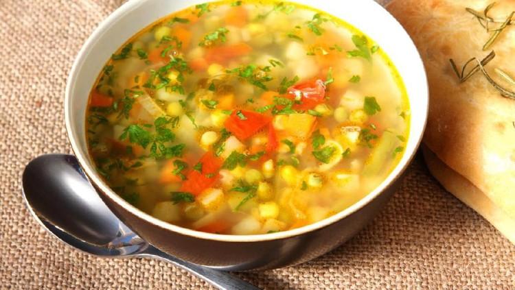 Akhir pekan lebih asyik nih kalau masak dan menikmati makanan bersama keluarga di rumah. Intip yuk, resep sup jagung manis berikut ini. Dijamin enak, Bunda!