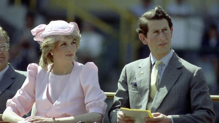 NEWCASTLE, AUSTRALIA - 1983: Princess Diana And Prince Charles watch an official event during their first royal Australian tour 1983 IN Newcastle, Austrlia. (Photo by Patrick Riviere/Getty Images)