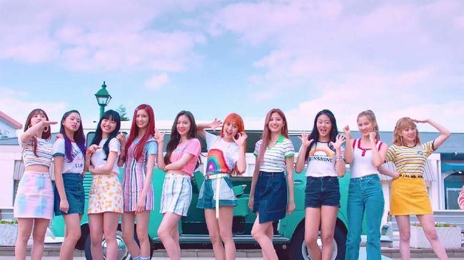 Girlband Cherry Bullet kesulitan kembali ke Korea Selatan akibat erupsi Gunung Taal di Filipina, usai mengisi acara pada 11-12 Januari.