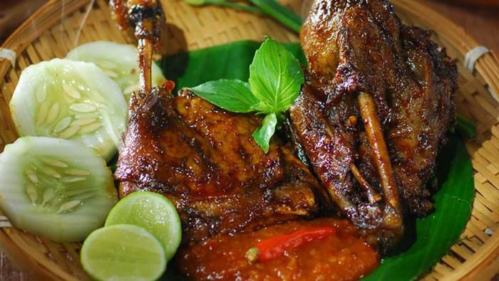 Kuliner Unik Super Pedas Khas Surabaya