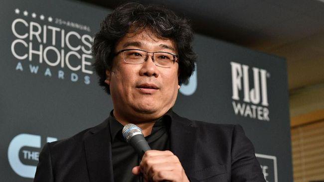 Bong Joon-ho mengaku mulai membahas struktur cerita dan narasi serial Parasite dengan sutradara Succession, Adam McKay.