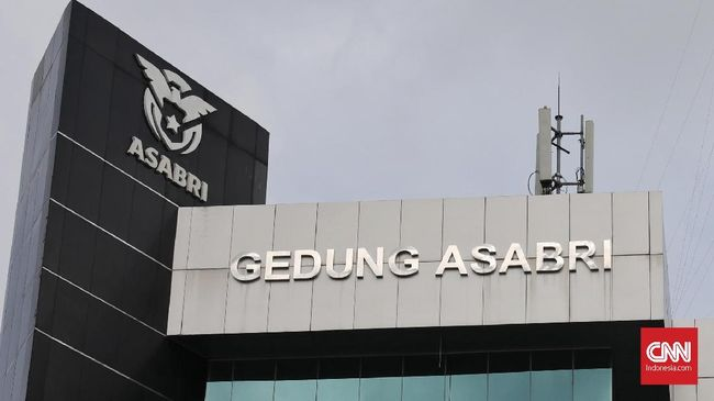 Tersangka korupsi Asabri Adam Damiri tercatat memiliki kekayaan lebih dari Rp10 miliar. Ia menjadi tersangka bersama 7 orang lain.
