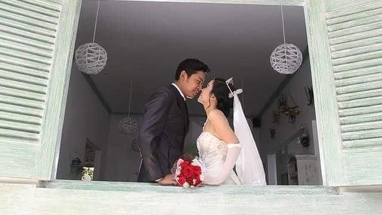 Sinta dan sang suami sudah menikah 7 tahun yang lalu. Keduanyasempat menetap di Indonesia sebelum benar-benar pindah ke Prancis.