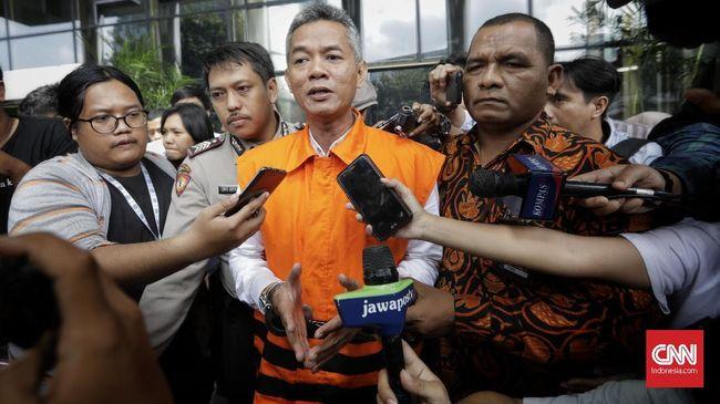 Eks komisioner KPU Wahyu Setiawan siap membantu penegak hukum mengungkap kasus suap PAW anggota DPR yang melibatkan kader PDIP Harun Masiku.
