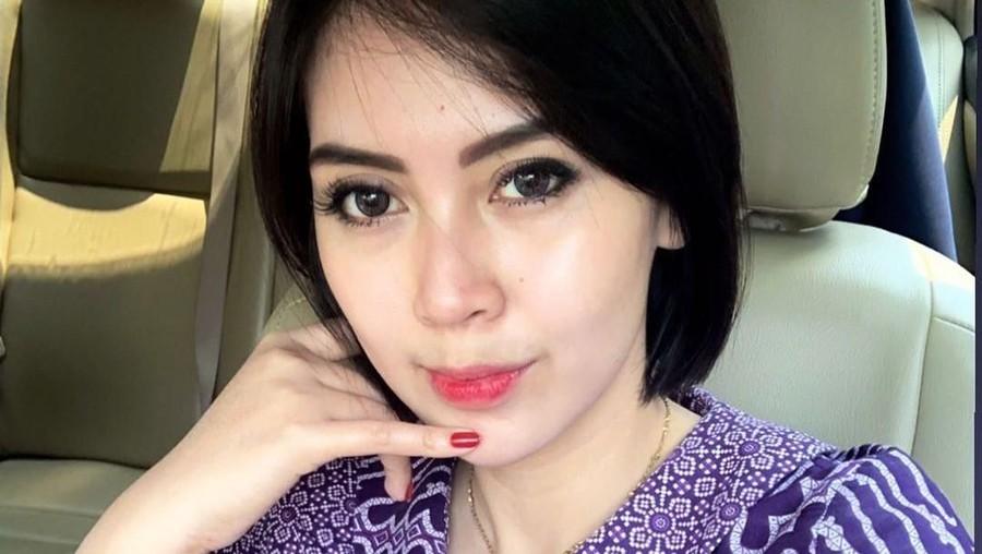 Terpopuler: Cantiknya Pramugari Garuda Arfita Dwi Putri, Tips Goreng Tahu